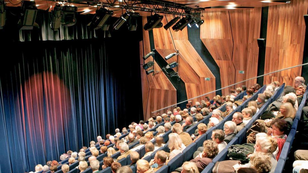 Oval - Bühne im Europark